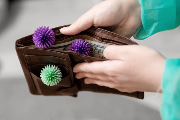 How to ทำความสะอาดกระเป๋าห่างไกล COVID – 19